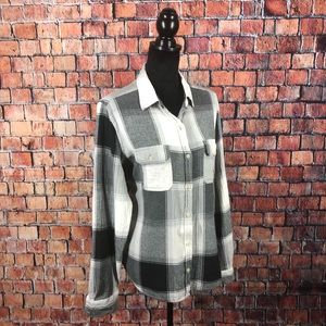 🌱 Universal Threads Plaid Flannel Button Down Top